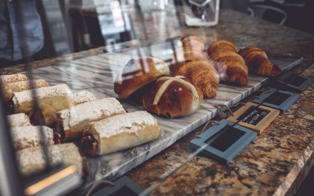bolos em vitrine frigorifica